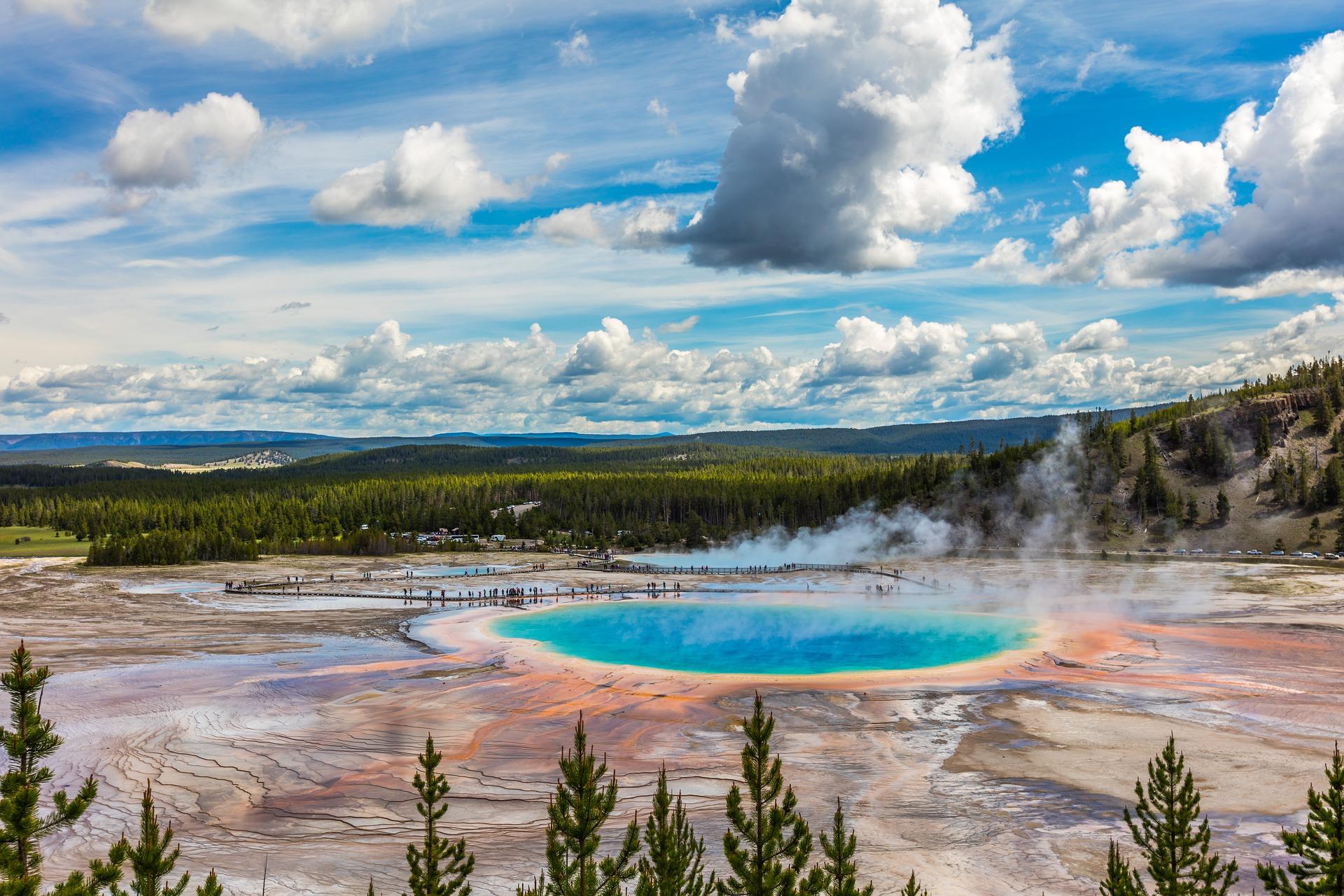 8 EV Friendly National Parks that Might Surprise You